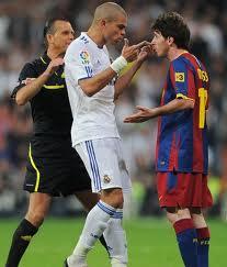 """Pepe """"minaccia"""" Messi"""