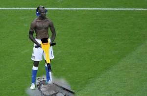 Divertente fotomontaggio su Balotelli
