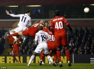 Il gol di Bale dell'1-0 del Tottenham  (foto: dailymail.co.uk)