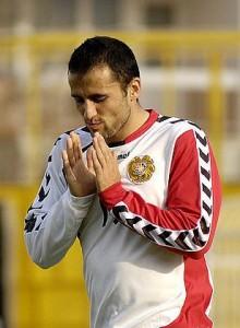 Levon Pachajyan con la maglia dell'Armenia (immagine dal web)