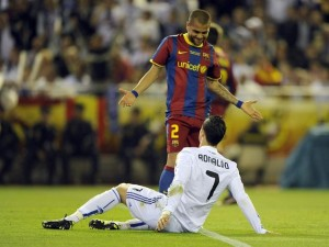 Dani Alves e Cristiano Ronaldo, protagonisti del Clasico spagnolo (foto dalla rete)