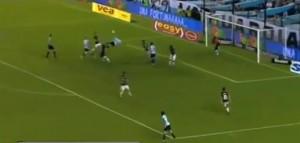 Il gol in rovesciata di Viola