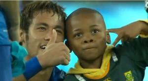 Neymar ed il piccolo tifoso sudadfricano