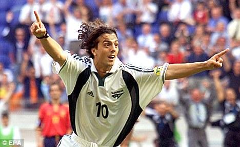 Zlatko Zahovic con la maglia della Slovenia (immagine dal web)