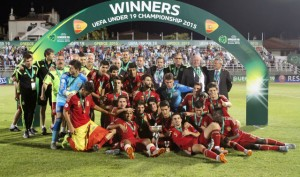 La Spagna celebra la vittoria finale  (fonte foto www.karditsasportiva.gr)