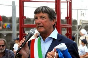 Il sindaco di Carrara Zubbani