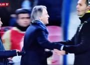 L'allenatore dell'Inter Roberto Mancini in un momento del diverbio con il tecnico del Napoli Maurizio Sarri (non inquadrato)