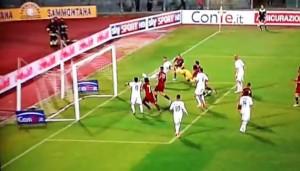 Il gol di Turchi che fissa il 2-2 tra Livorno e Virtus Lanciano