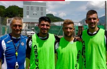 Varone con il tecnico Manzo e i nuovi compagni Mihajlovic e Golemic