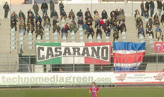 Israele-Italia, tifosi azzurri fanno il saluto romano sugli spalti. Espulsi dallo stadio