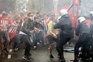 Scontri tra la polizia e i tifosi dello Sporting nel 2017 (Fonte: hooliganstv.com)