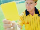 UFFICIALE: svolta nel calcio, modificata la regola delle ammonizioni