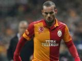 VIDEO – La prima perla dello Sneijder turco!